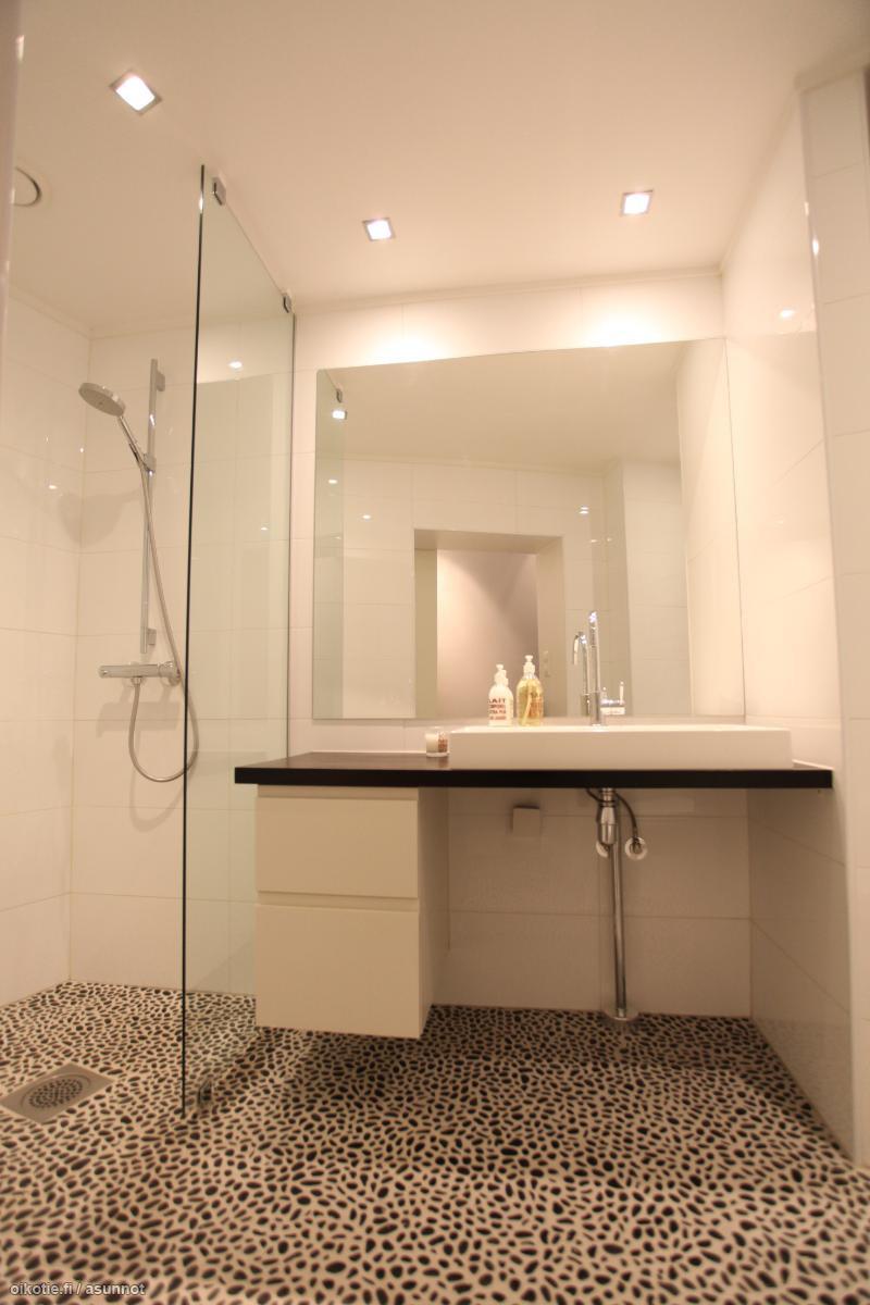 Kylpyhuone_tila