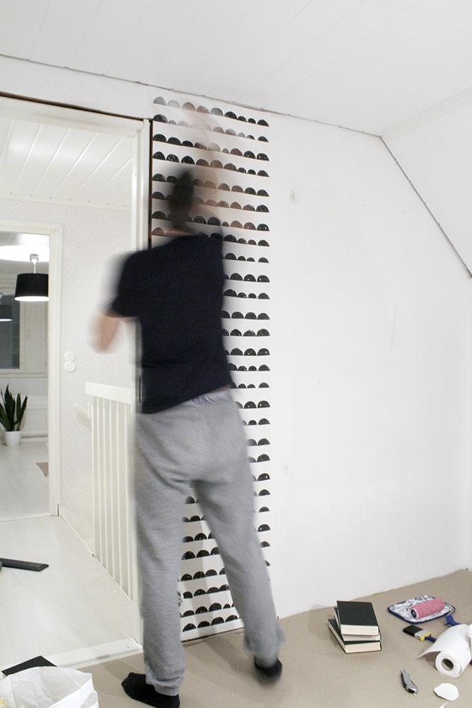 tapettia_seinaan